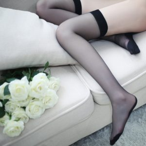 誘惑吊帶絲襪 · 柔然彈性黑絲光滑情趣摩挲