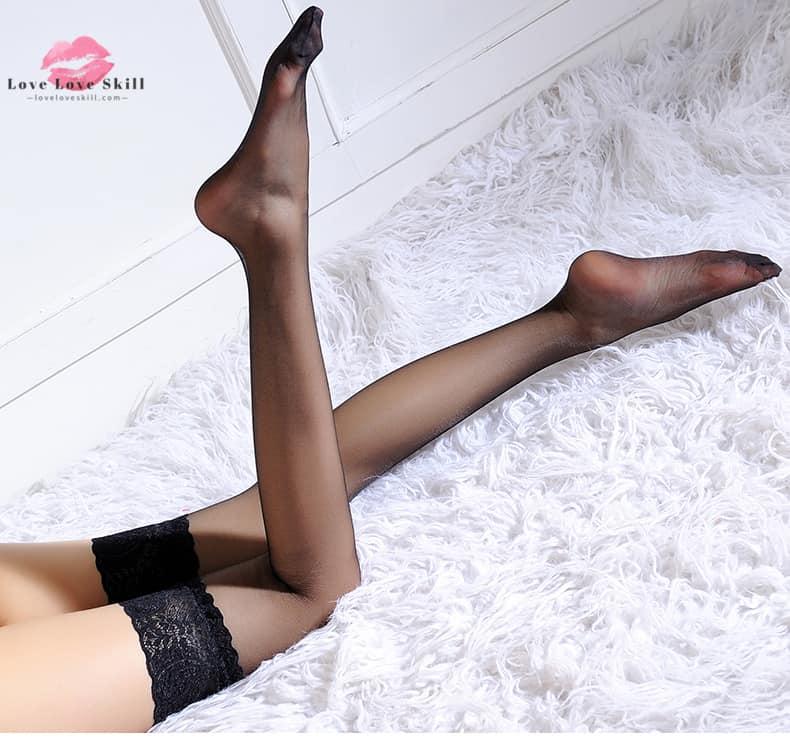 黑絲白絲 · 蕾絲花邊絲襪性感美腿長筒高筒襪 - 高質安全香港情趣用品成人性玩具網上旗艦店 - loveloveskill
